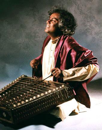 Tarun Bhattacharya, santurspeler